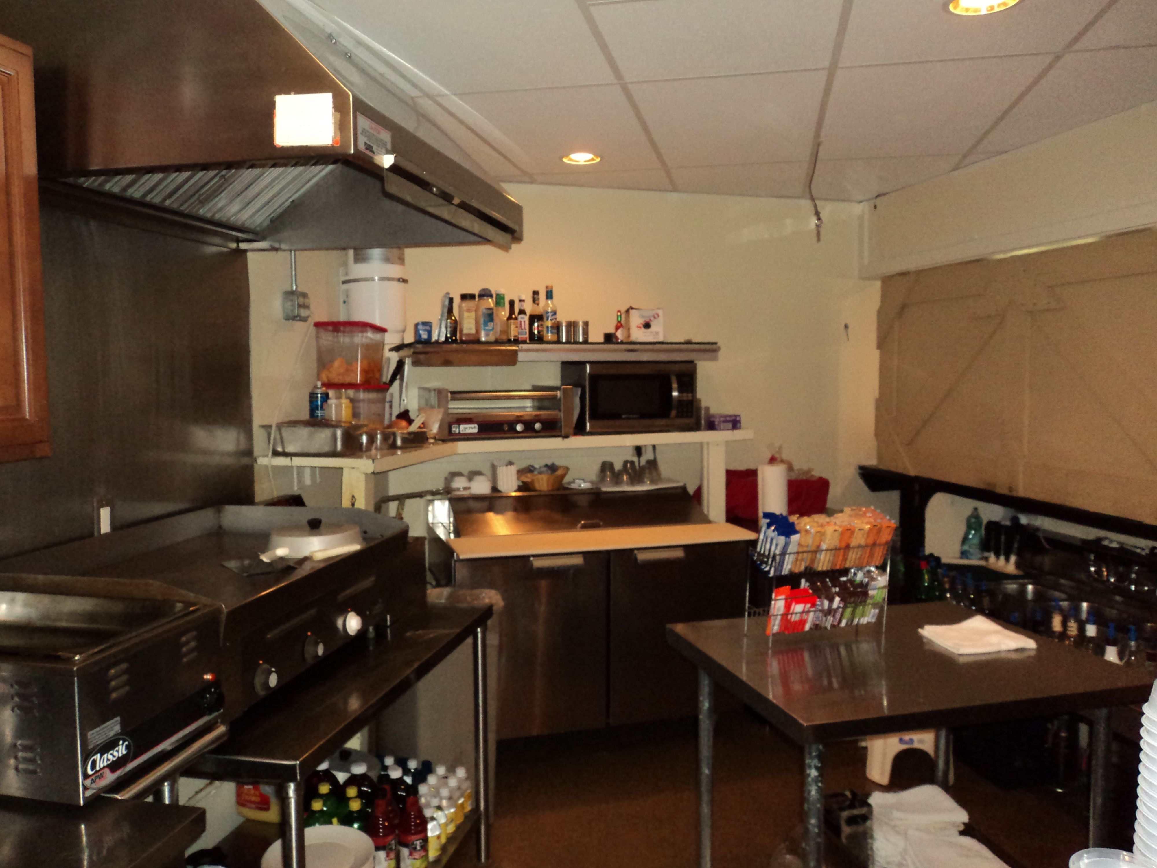 19th-Hole-kitchen-before